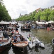 Venez passer un we à Amsterdam et dormez sur un bateau à quai
