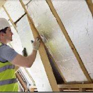 Comment réaliser les travaux d'isolation dans une habitation avant de partir en vacances ?