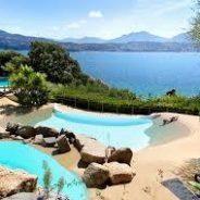 Location d'une villa classée 4 étoiles à Palombaggia en Corse du sud  près de Porto-Vecchio.